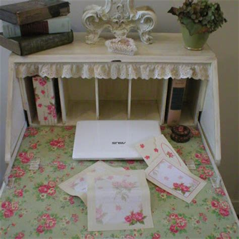 shabby chic writing shabby chic a desk at which to write i heart shabby chic