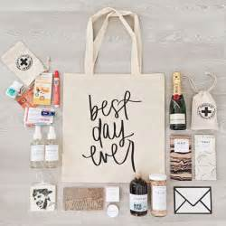 bridesmaid gift bags 25 best ideas about bridesmaid gift bags on monogrammed bridesmaid presents