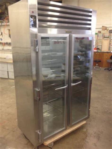 Traulsen UR48DT 28.8 cu. ft. Commercial Refrigerator   All