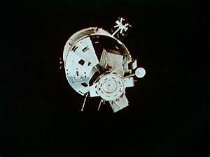 Luna Cognita: Apollo 11, UFOs Filmed in Cis-Lunar Space ...