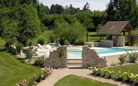 chambre d hote piscine bourgogne charm 39 attitude chambre d 39 hôte en bourgogne actualité