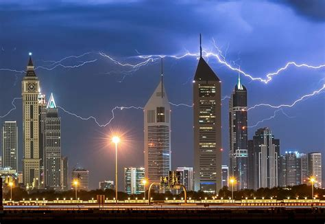 Incredible Pictures Show Horizontal Lightning Striking