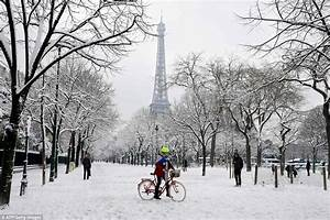 Paris Snow Causes Traffic Chaos As Eurostar Delayed