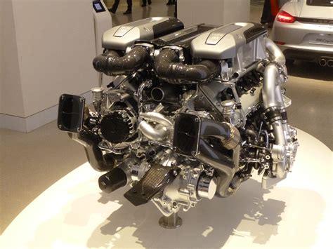 Bugatti Chiron Engine by Datei W16 Engine Bugatti Chiron P1010489 Jpg