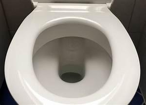 Wc Sitz Schrauben Lösen : produkttest flacher wc sitz in wei mit absenkautomatik ~ Articles-book.com Haus und Dekorationen