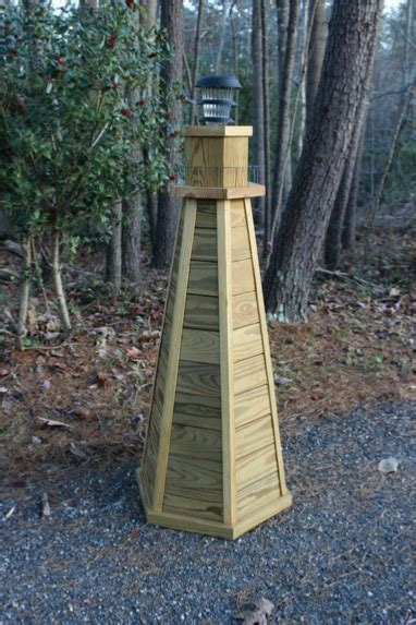 diy lighthouse plans   build   ft wooden lawn