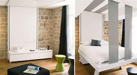 lit suspendu au plafond prix lit escamotable cachez le au plafond solutions