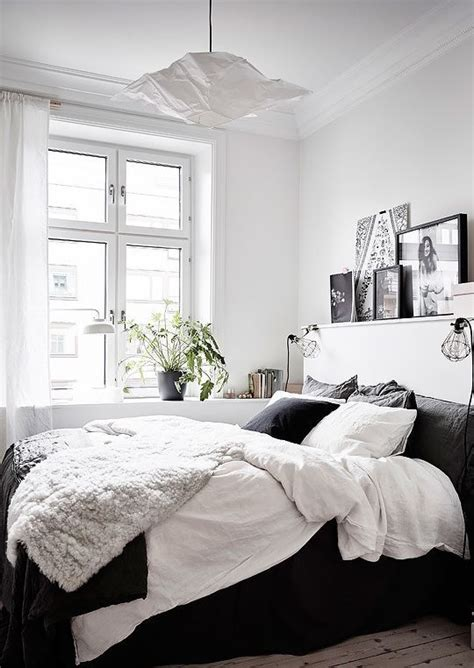 Small Bedroom Ideas Black And White by Best 20 White Bedroom Decor Ideas On White