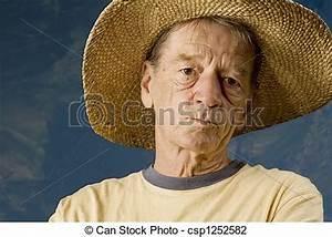 Chapeau De Paille Homme : paille grand chapeau homme bleu ensemble paille mur ~ Nature-et-papiers.com Idées de Décoration