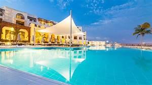fanar hotel residences salalah beach salalah With katzennetz balkon mit hotel salalah gardens residences