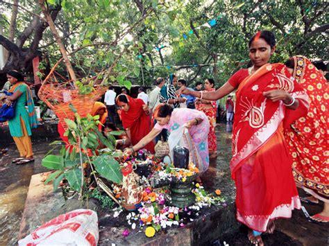people worship trees  india boldskycom