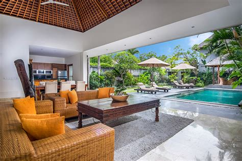 Tropical Garden Villas In The Heart Of