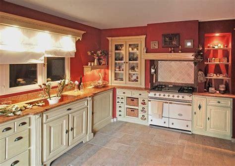 deco cuisine blanc et salle de bain vert et bois