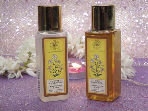 forest essentials madurai jasmine mogra shower wash