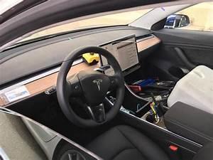 Tesla Model 3 interior photos: Autopilot stalk, steering wheel and touchscreen controls | Tesla ...