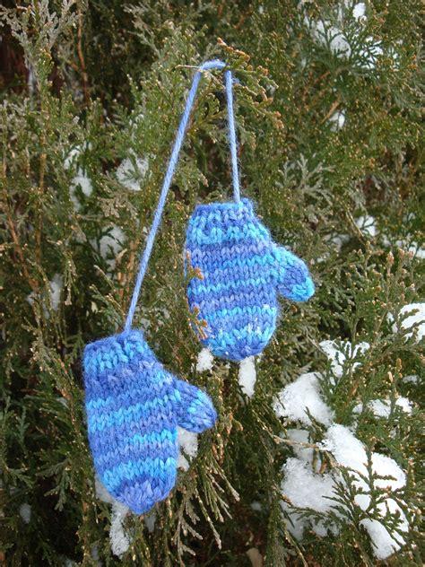 kims knitting korner mini mitten ornament  pattern