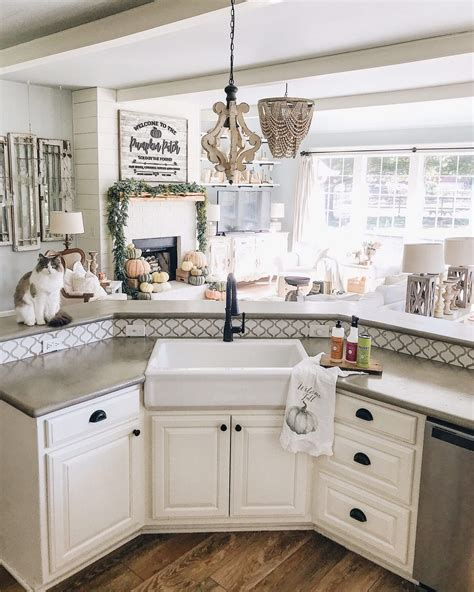 Farmhouse Kitchen Sink by 26 Farmhouse Kitchen Sink Ideas And Designs For 2019