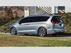 2016 Chrysler Pacifica Grand Voyager replacement appears