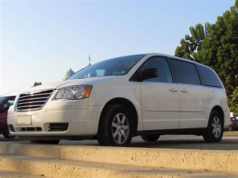 2010 Chrysler Town And Country Specs by 2010 Chrysler Town Country Limited Front Wheel Drive Lwb