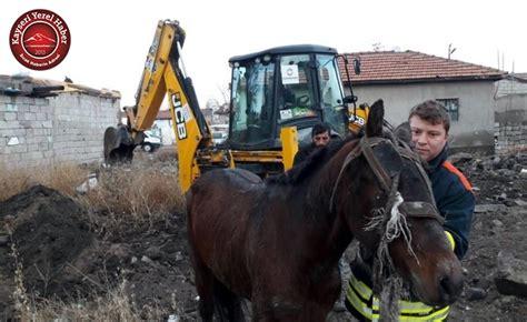 Çukura Düşen Atı İtfaiye Kurtardı