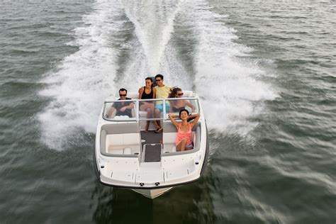 Round Deck Boat by Bayliner 190 Deck Boats New In Round Lake Il 60073 Us