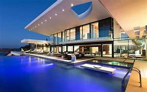 Modern house with a pool wallpaper #15037