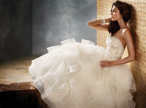 Finding The Best Wedding Dress For Your Body Type