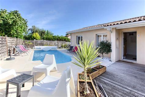 location maison 3 chambres maison avec piscine privée et chauffée à proximité d
