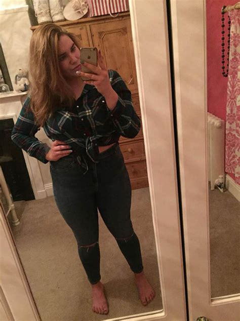 Shocked Teen Finds Size 14 Jeans Bigger Than Size 18 In High Street Uk