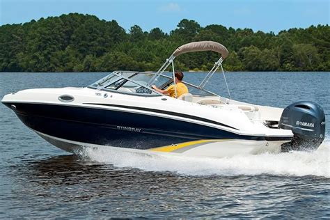 2017 Stingray Boats For Sale by 2017 Stingray 234 Lr Power Boat For Sale Www Yachtworld