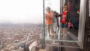 Chicago39s tallest building willis sears tower sells for for How many floors are in the sears tower