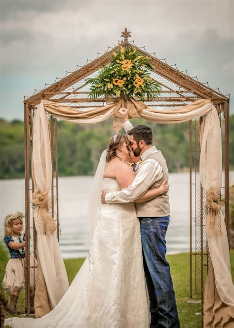 a rustic outdoor wedding in deland florida
