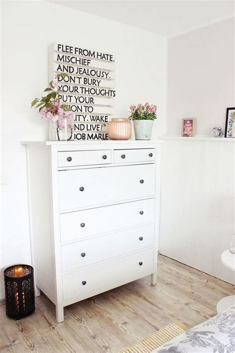 farbige kommode fr weisses schlafzimmer ideen schlafzimmer kommode dekorieren