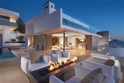 Ocean Home with Detached Guest House | Modern House Designs