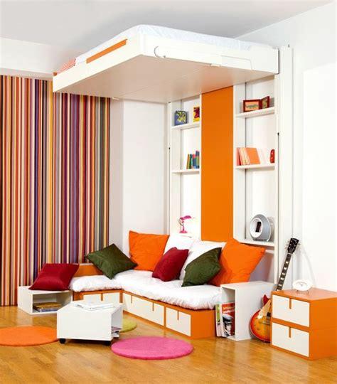 le de plafond pour chambre les 25 meilleures idées de la catégorie lit escamotable