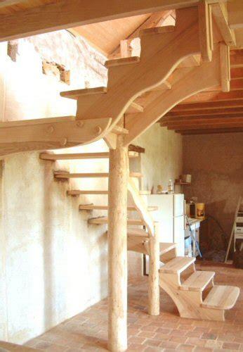 decoration escalier en bois decor vitrine decoration bois