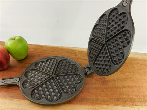 sold jotul norway cast iron heart waffle maker press nr   base olde kitchen