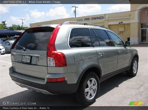 volvo xc   willow green metallic photo