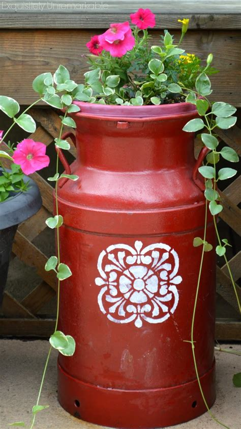 christmas milk can ideas pinterest painted milk can planter allfreeholidaycrafts