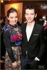 Hailee Steinfeld & Asa Butterfield: Lionsgate Press ...
