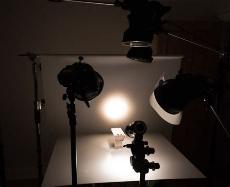 continuous lighting vs strobe strobe lighting photography lilianduval