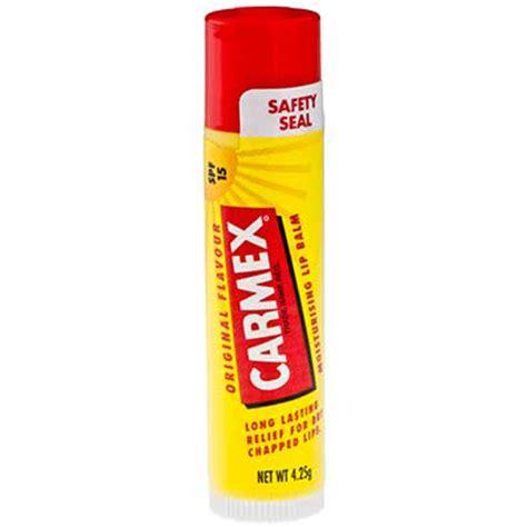 Review: Carmex Lip Balm & Carmex Moisture Plus lip Balm ...