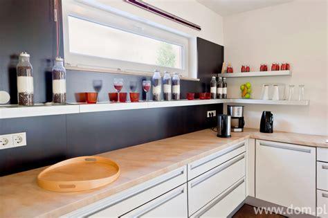 kuchnia bez gornych szafek zdjecia kuchni otwartej na