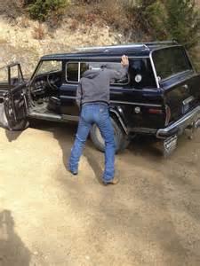 Cowboys Tight Wrangler Jeans