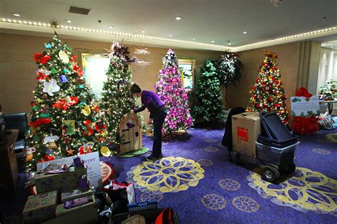 christmas tree decorating contest ideas boyd gaming to donate 25 000 to charities through quot trees of quot contest fremont
