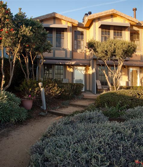 cottage inn hours cottage inn by the sea pismo california ca