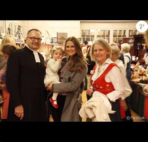 Madeleine de Suède : Visite au marché de Noël avec sa ...