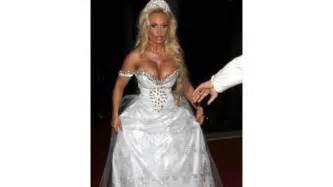 ugliest wedding dresses 15 wedding dresses that will make you cringe