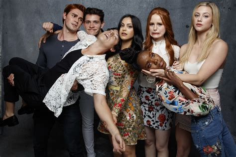 Riverdale Cast On Season 2 Toni Topaz And The Shows