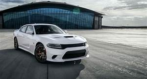 Five key features of the 2017 Dodge Charger - carwitter
